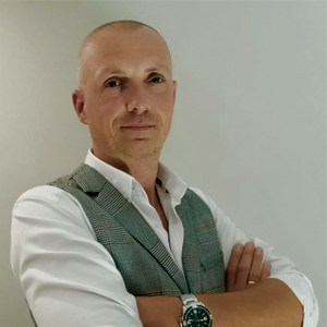 Maciej Kubacki - PROFERTO